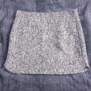 Topshop above the knee skirt😍 classy and cute !